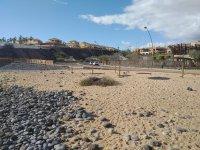 Пляж Плайя-де-Сан-Блас в Гольф-дель-Сур на Тенерифе, Испания