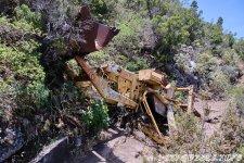 Упавший сверху экскаватор, трактор - 1000 Окон Гуимара на Тенерифе