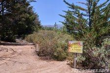 Вход на тропу с указателем опасности - 1000 Окон Гуимара на Тенерифе