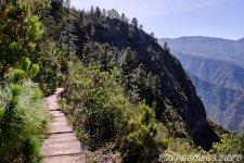 Дорога идет по каналу - 1000 Окон Гуимара на Тенерифе