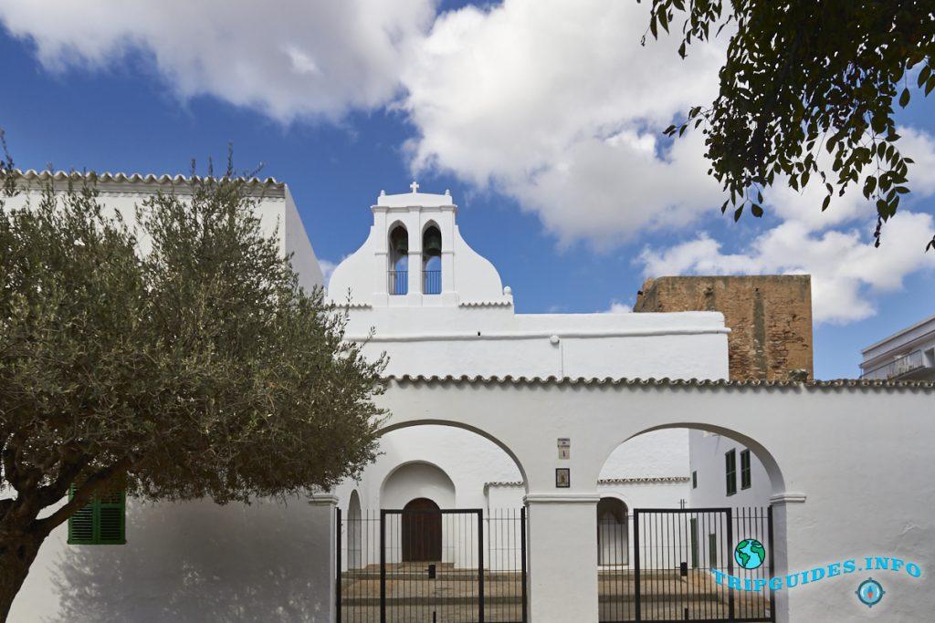 Церковь Сан-Антонио на Ибице