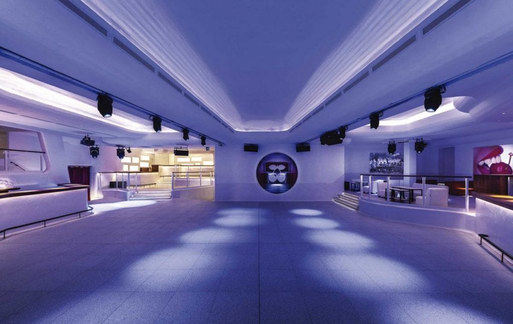 Зал в клубе Пача на Ибице