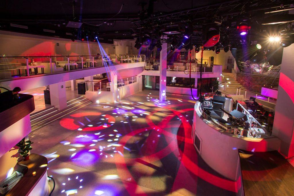 Главный зал в клубе Пача на Ибице