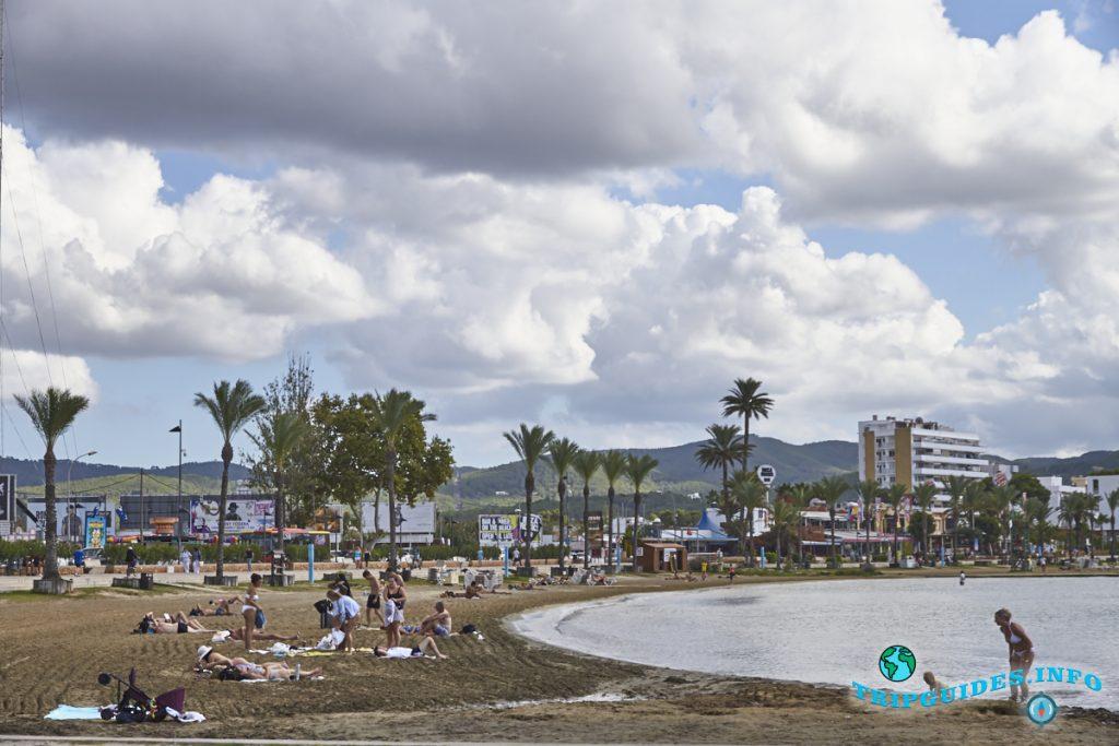 пляж - С'Ареналь в Сан-Антонио на Ибице