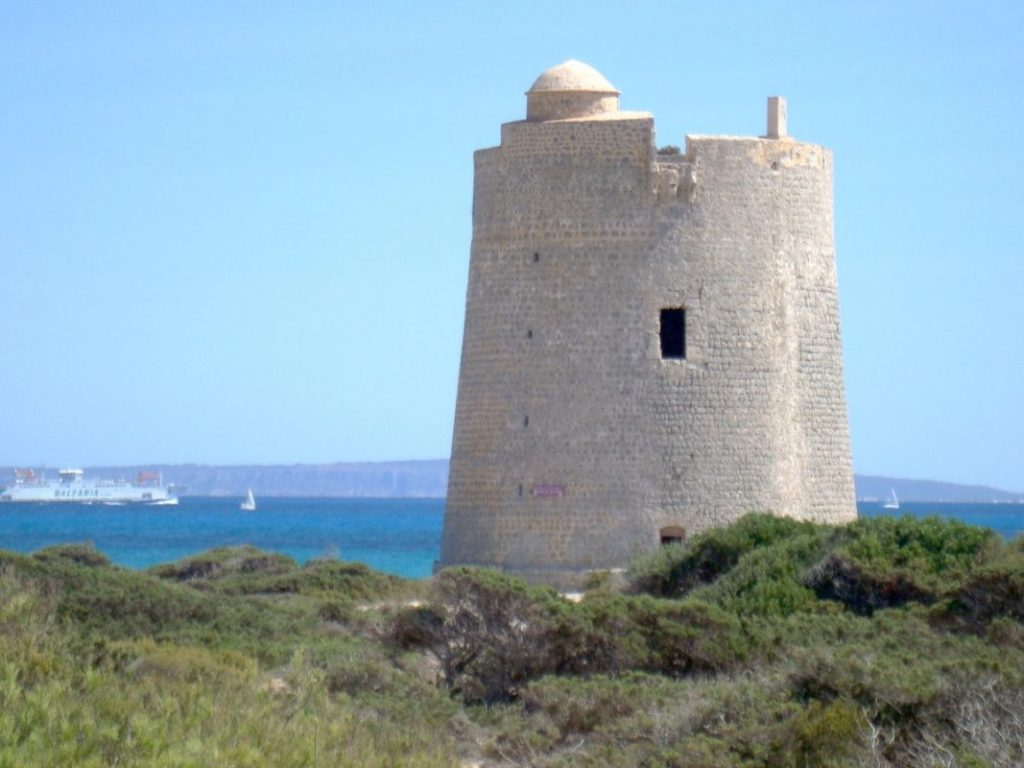 Башня Torre De Ses Portes на Ибице