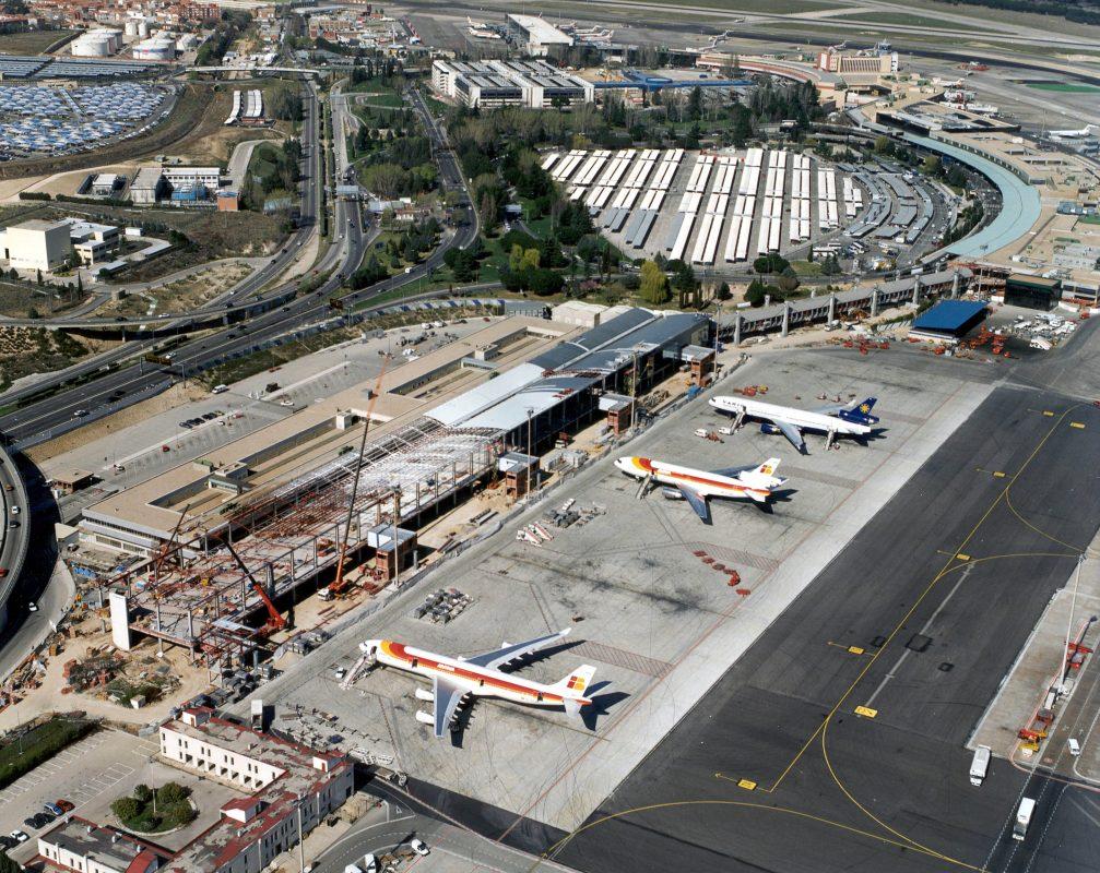 Аэропорт Мадрид Барахас - 1999 год. Строительство Южного терминала