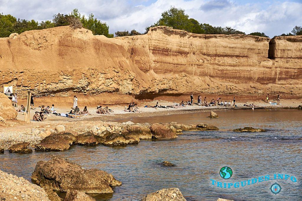 Пляж Эс-Бол-Ноу на Ибице / Ивиса