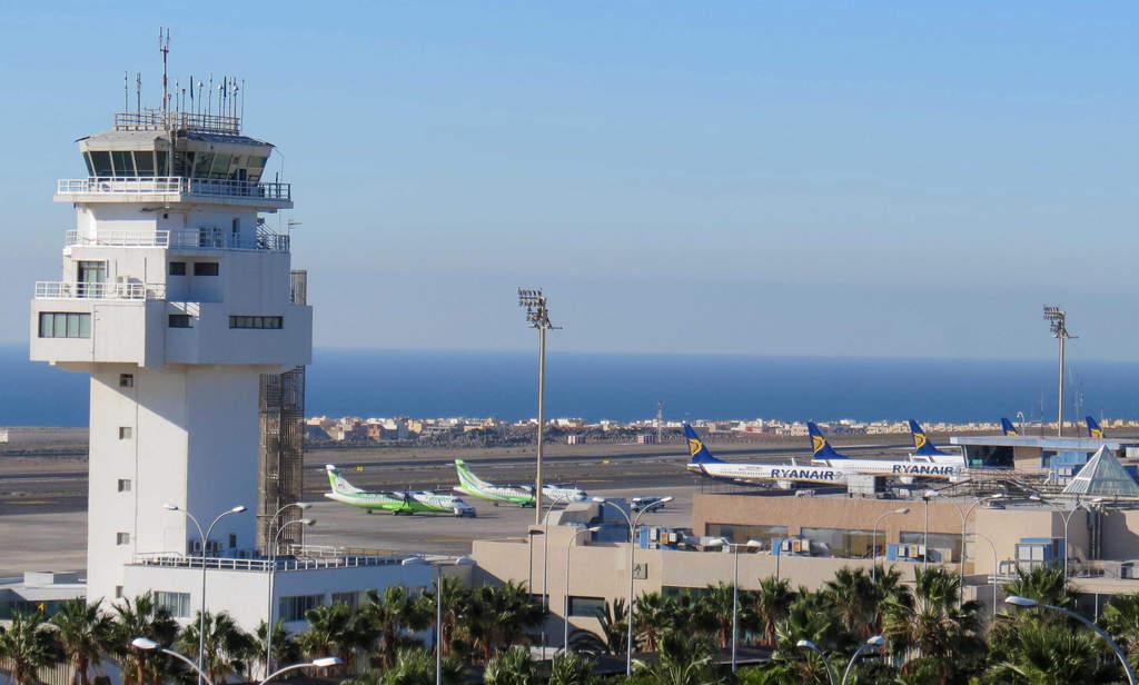 Аэропорт Южный Тенерифе, Испания -  TFS Королевы Софии