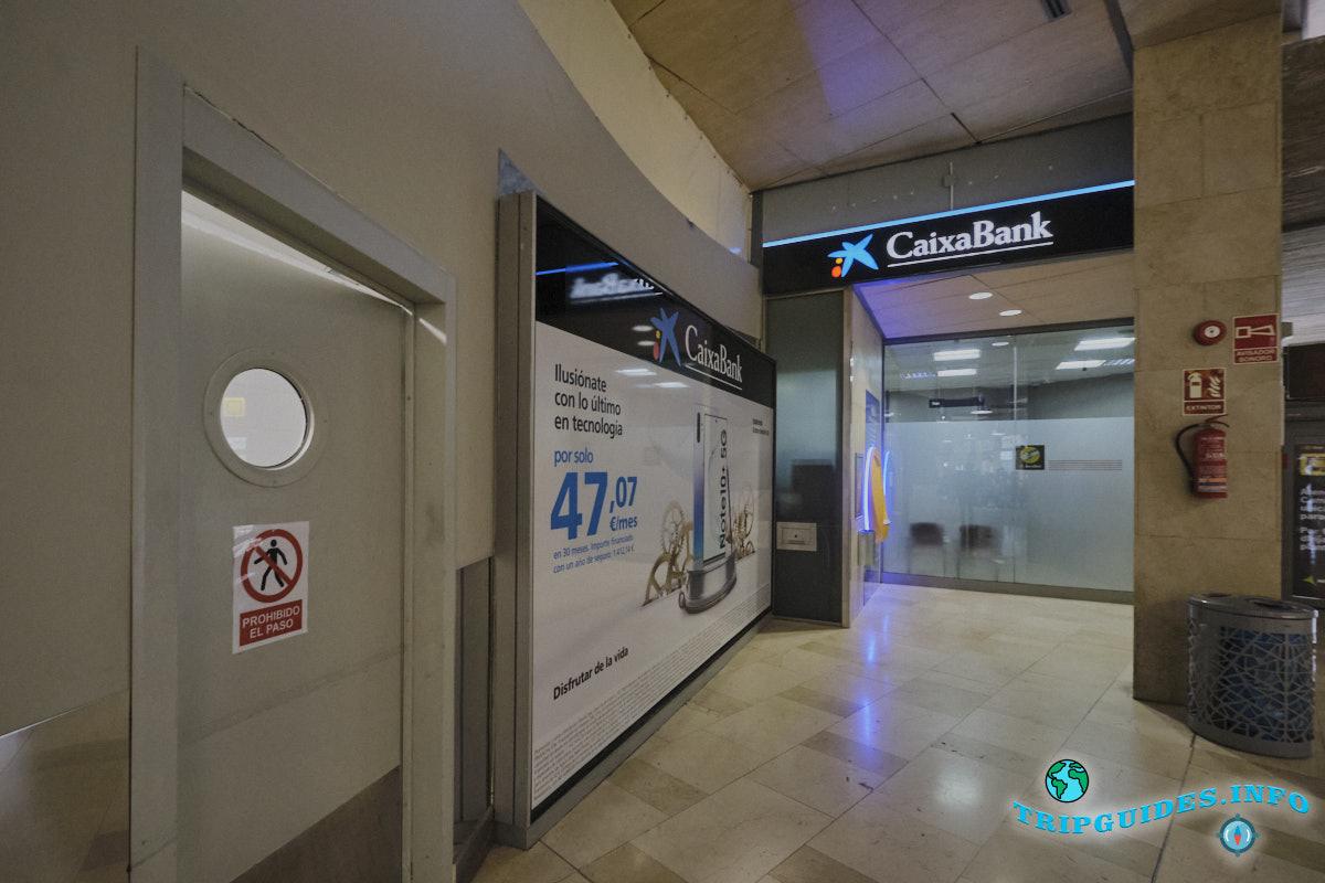 Аэропорт Тенерифе-Северный: банк и банкомат Испанского отделения La Caixa