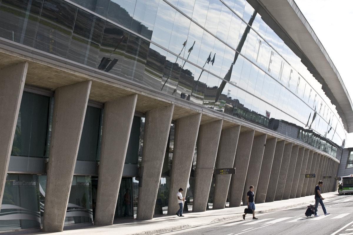 Аэропорт Тенерифе-Северный: здание снаружи