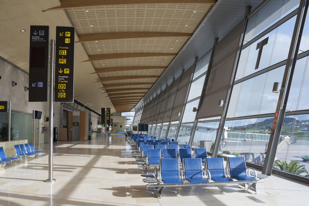 Аэропорт Тенерифе Северный: зал ожидания - на посадку