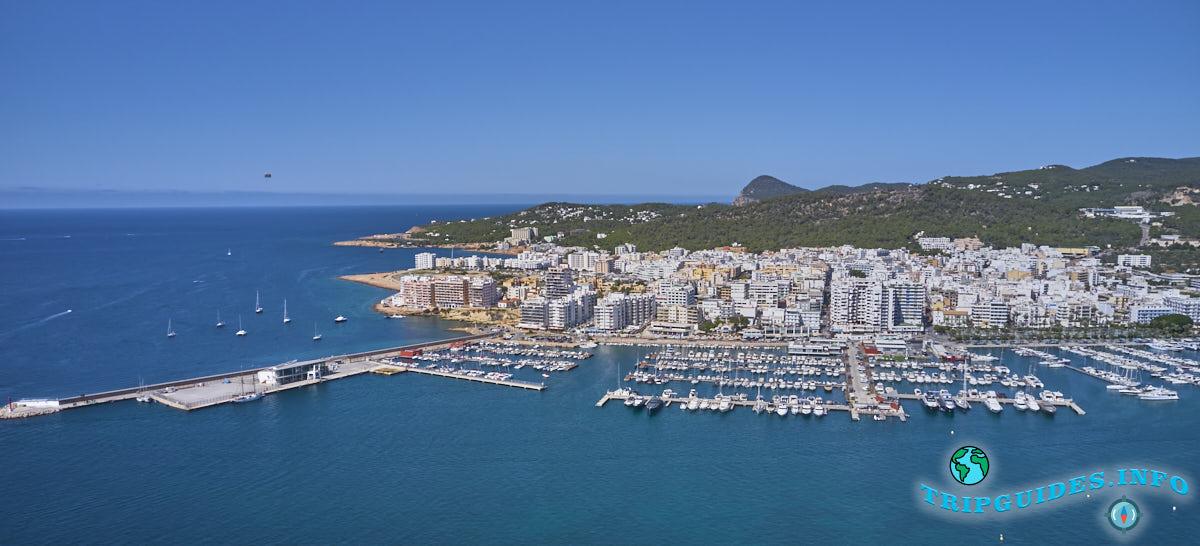 Морской порт в Сан-Антонио на Ибице, Балеарские острова, Испания
