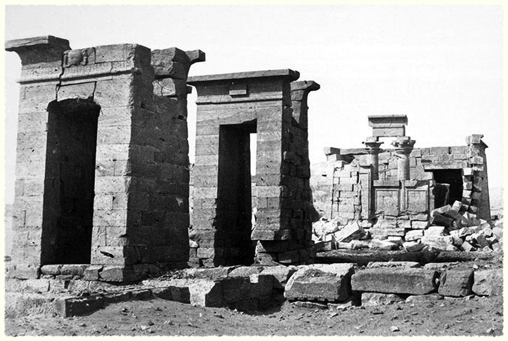 Храм Дебод в Египте перед перемещением в Мадрид