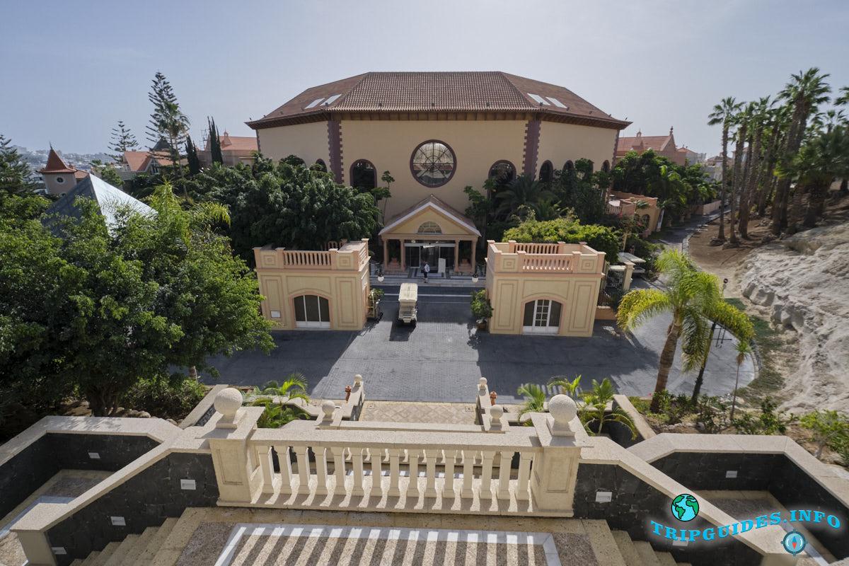 Отель Gran Hotel Bahía del Duque Resort в Коста Адехе