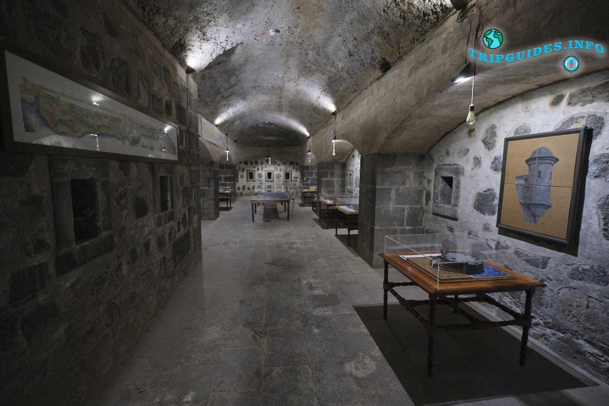 Алмейда — военный музей в Санта-Крус-де-Тенерифе