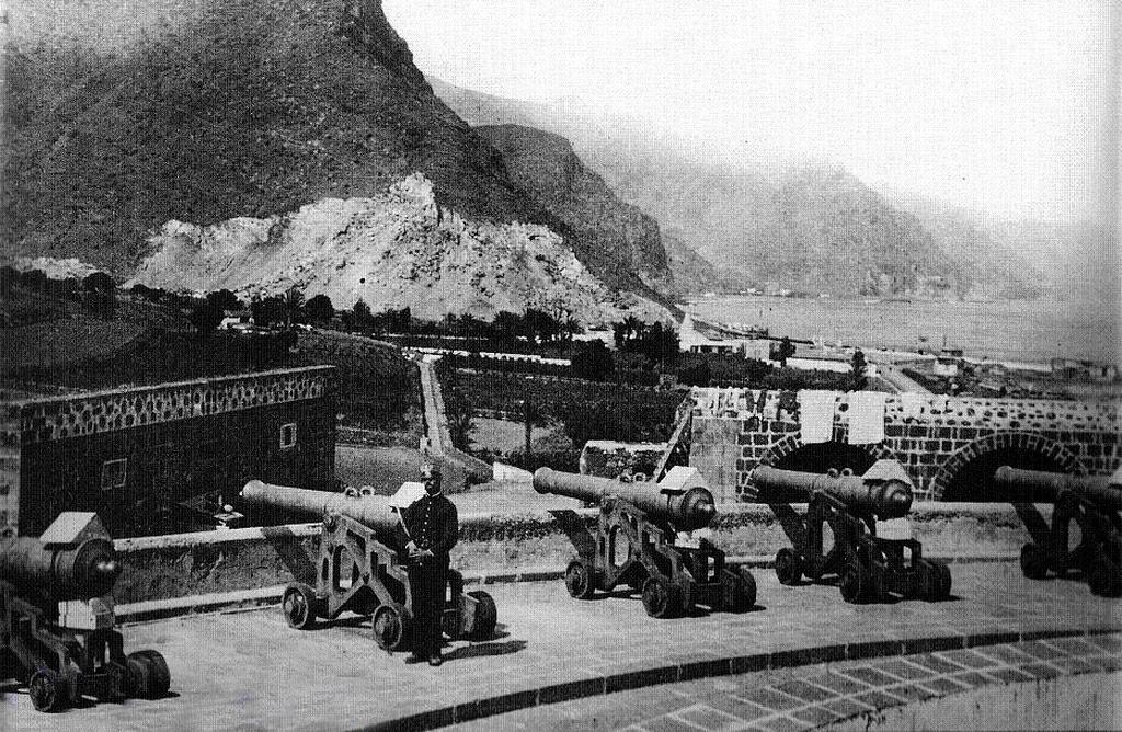 История Алмейда — военный музей в Санта-Крус-де-Тенерифе