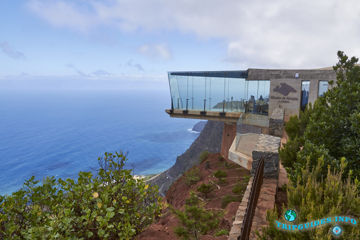 Смотровая площадка Мирадор-де-Абранте на острове Ла-Гомера