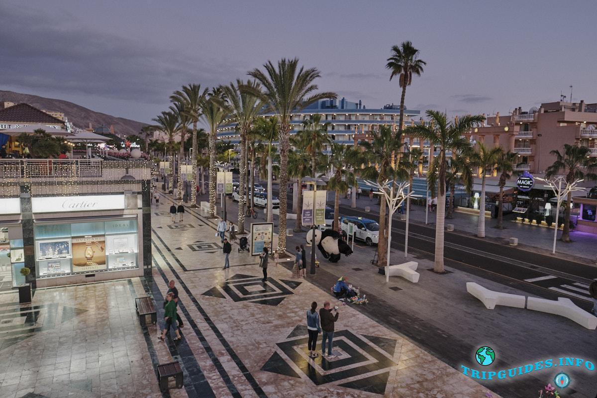 Проспект Плайя-де-Лас-Америкас (Золотая миля) на южном курорте Тенерифе