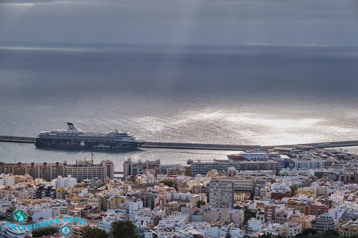 Порт Санта-Крус-де-Тенерифе со смотровой площадки
