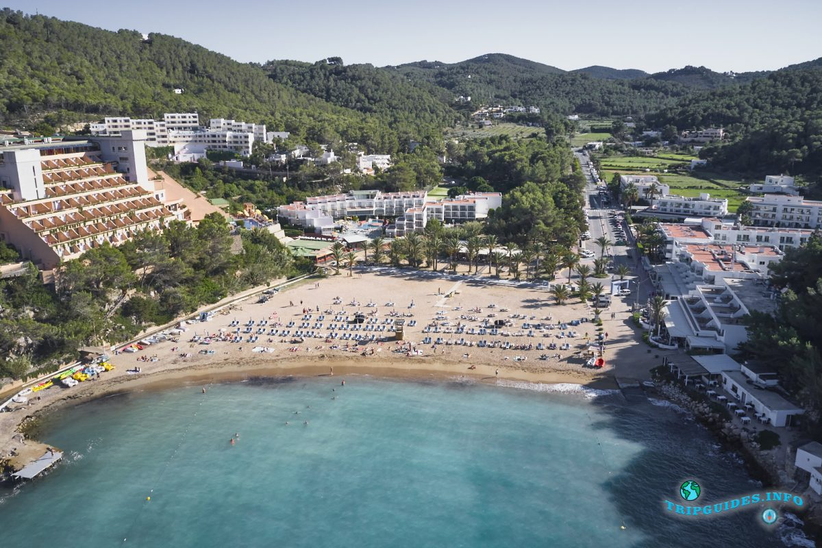 Пляж Кала Сан-Мигель на Ибице - Балеарские острова, Испания
