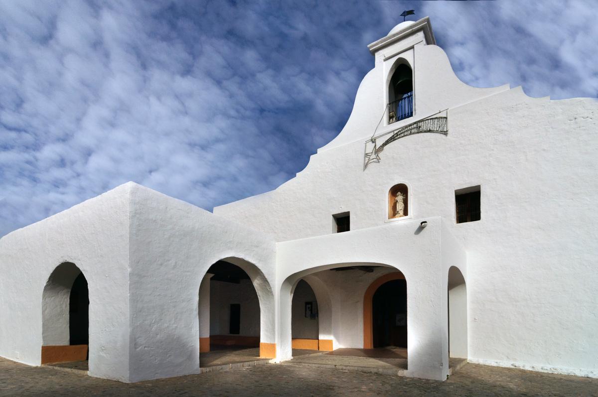 Церковь Сан-Рафаэль на Ибице - Балеарские острова, Испания