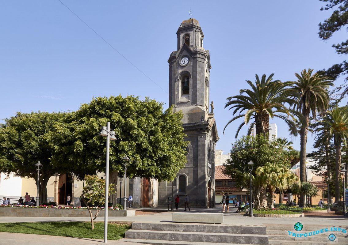Церковь Нуэстра-Сеньора-де-Ла-Пенья-де-Франсия в Пуэрто-де-Ле-Крус на Тенерифе, Канарские острова, Испания