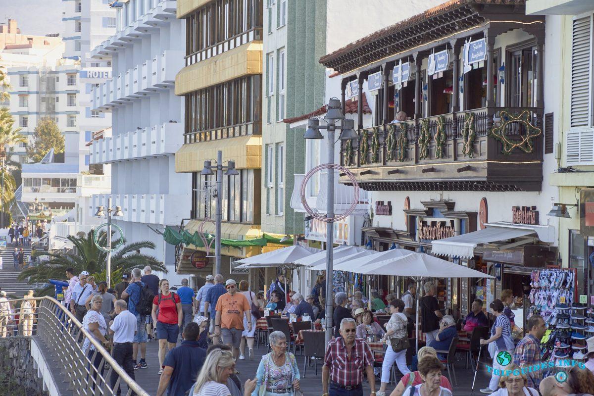 Улица Сан-Тельмо в Пуэрто-де-Ла-Крус - Тенерифе, Канарские острова, Испания