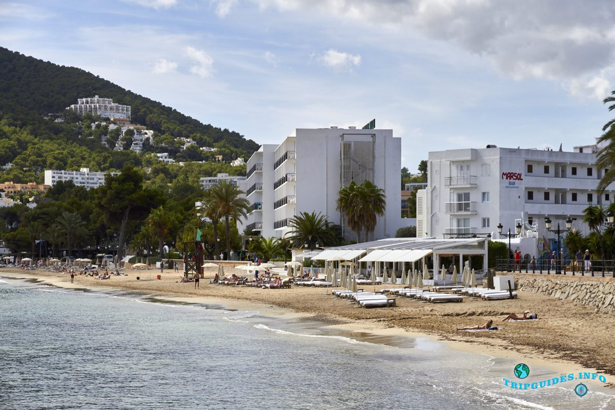 Курортный город Санта-Эулалия-дель-Рио - Ибица, Балеарские острова, Испания