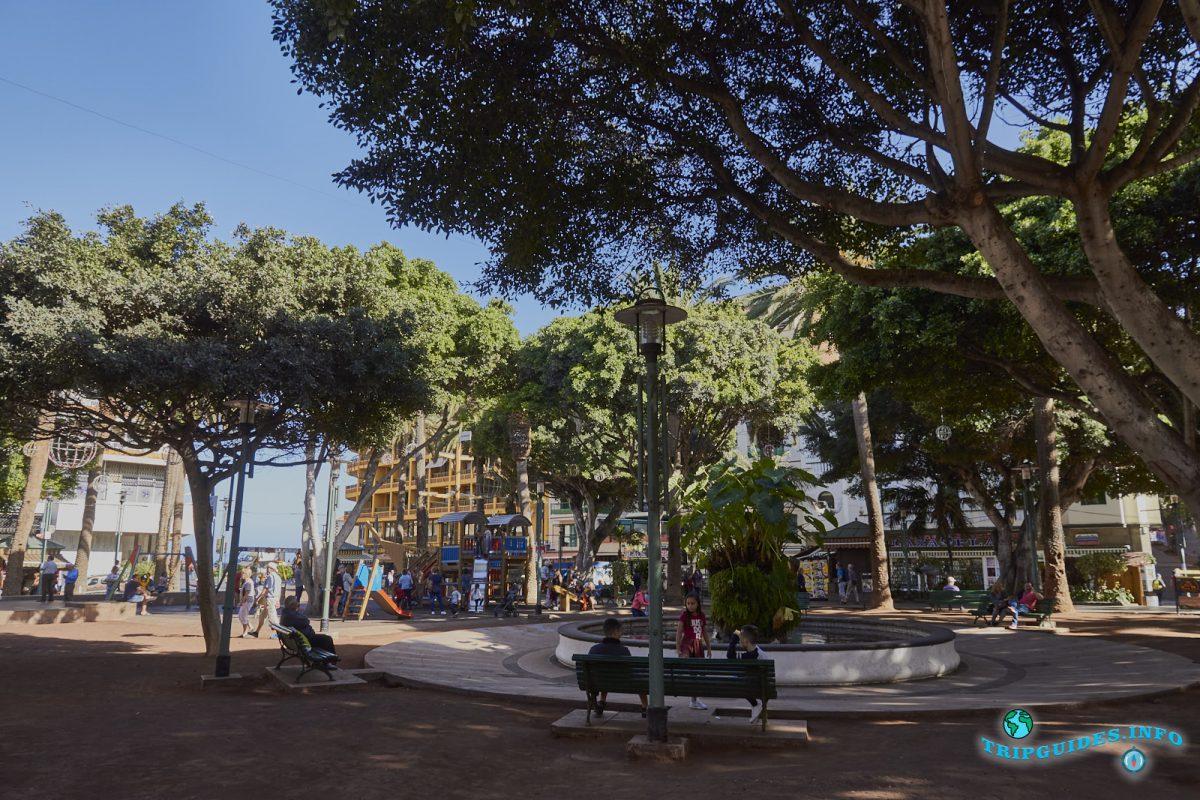 Площадь Пласа-дель-Чарко в Пуэрто-де-Ла-Крус - Тенерифе, Канарские острова, Испания