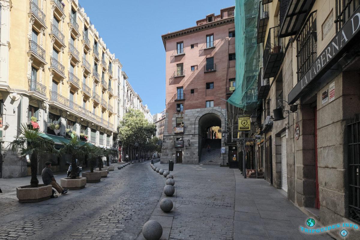 Арка Чучельерос - Площадь Пласа-Майор в Мадриде, Испания - Plaza Mayor de Madrid