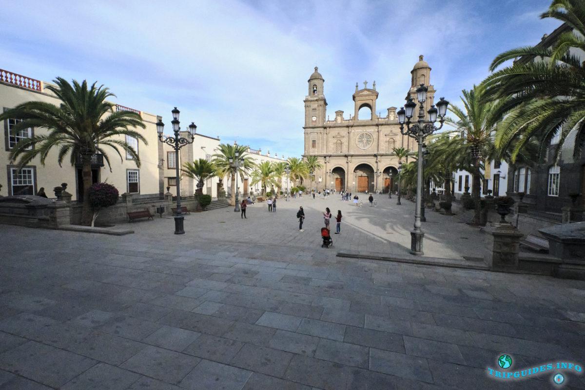 Площадь Святой Анны в районе Вегета в городе Лас-Пальмас-де-Гран-Канария, Испания