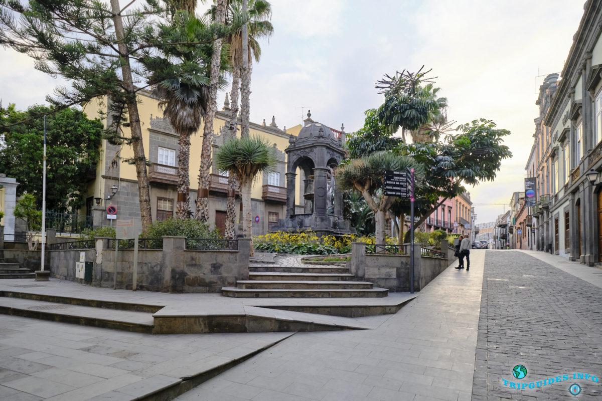 Площадь Святого Духа в районе Вегета в городе Лас-Пальмас-де-Гран-Канария, Испания