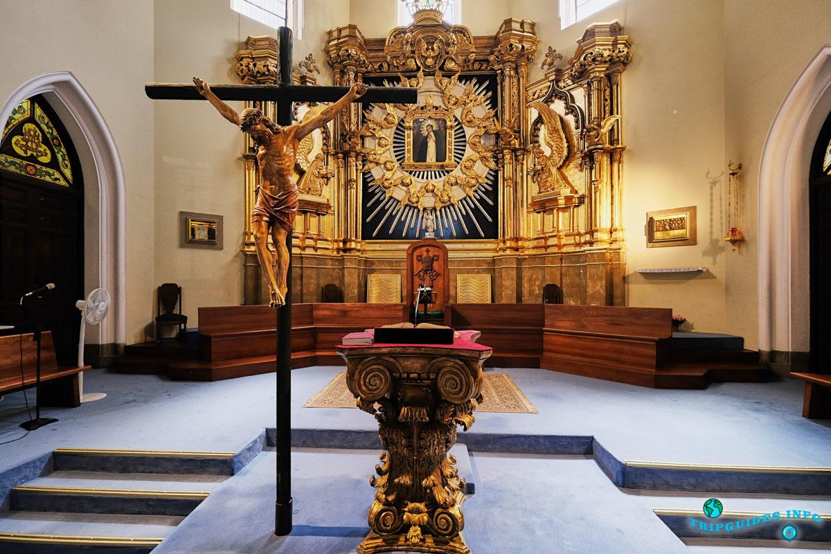 Церковь Вирхен-де-ла-Палома в Мавританском квартале Ла-Морерия в Мадриде - столица Испании