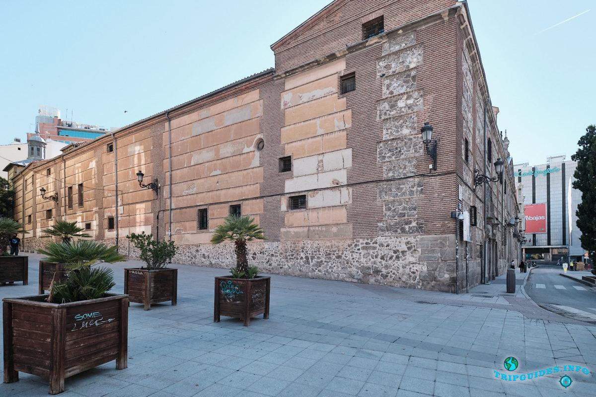 Монастырь Дескальсас-Реалес в Мадриде - столица Испании (Monasterio de las Descalzas Reales)