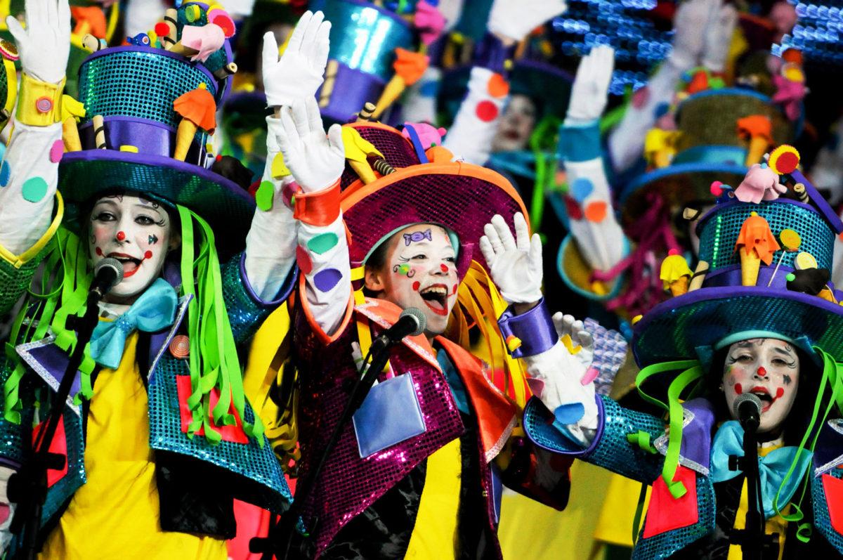Мургас - карнавал на Тенерифе