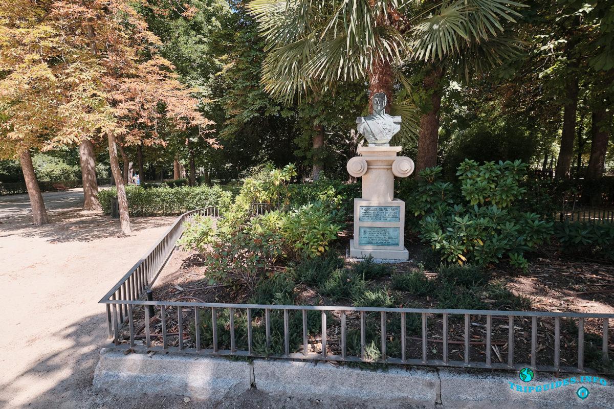 Памятник кадисскому маршалу Хуану ван Халену - Парк Буэн-Ретиро в Мадриде - Испания (Parque del Buen Retiro)