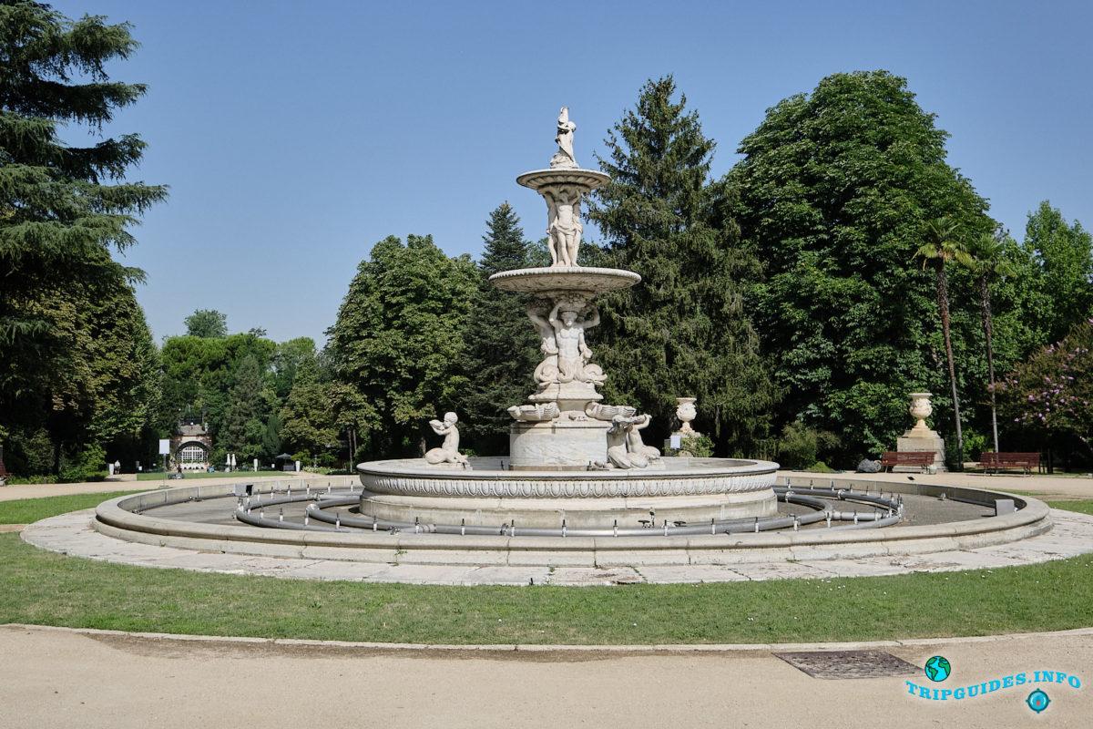 Фонтан Ракушки - Парк Кампо-дель-Моро в Мадриде - столица Испании - El Campo del Moro