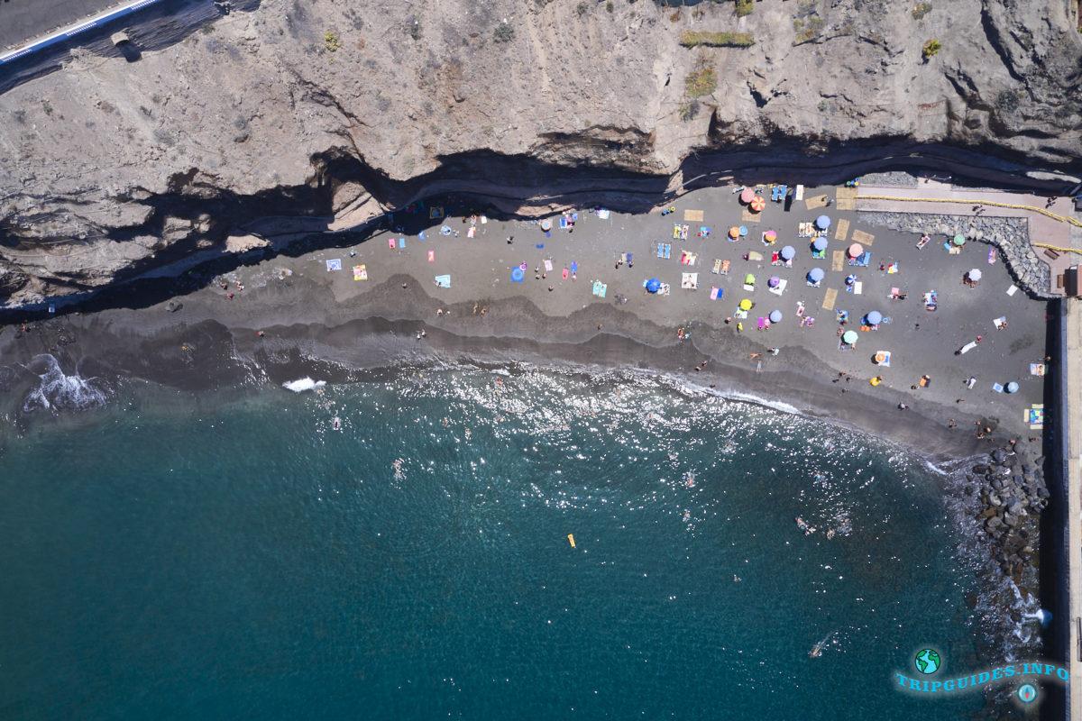 Пляж Лос-Гиос в Лос Гигантес на Тенерифе - Канарские острова, Испания