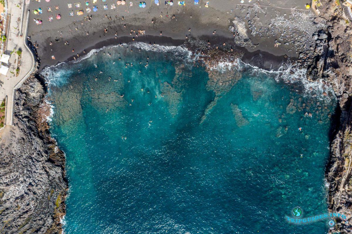 Пляж Ла-Арена в Пуэрто-де-Сантьяго Тенерифе - Канарские острова, Испания - Puerto de Santiago