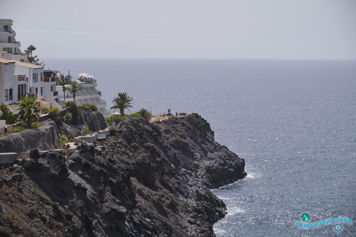 Смотровая площадка Танкон (Mirador Tancón) в Пуэрто-де-Сантьяго Тенерифе - Канарские острова, Испания - Puerto de Santiago
