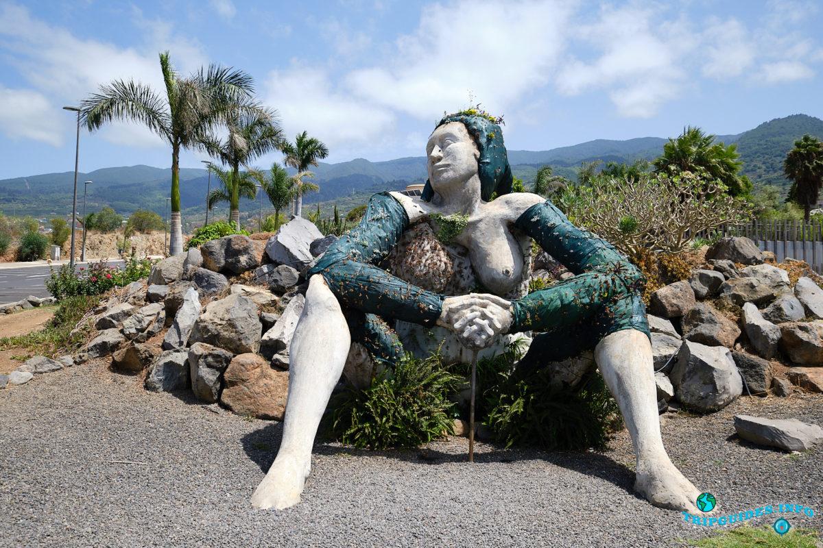 Ла-Гиганта или «Каменная Мать» в Санта-Урсула на Тенерифе - Канарские острова, Испания