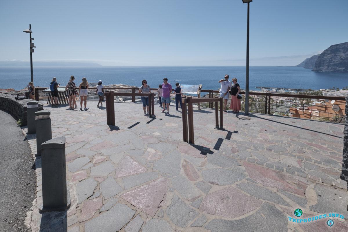 Смотровая площадка Арчипенке в Лос Гигантес на Тенерифе - Канарские острова, Испания