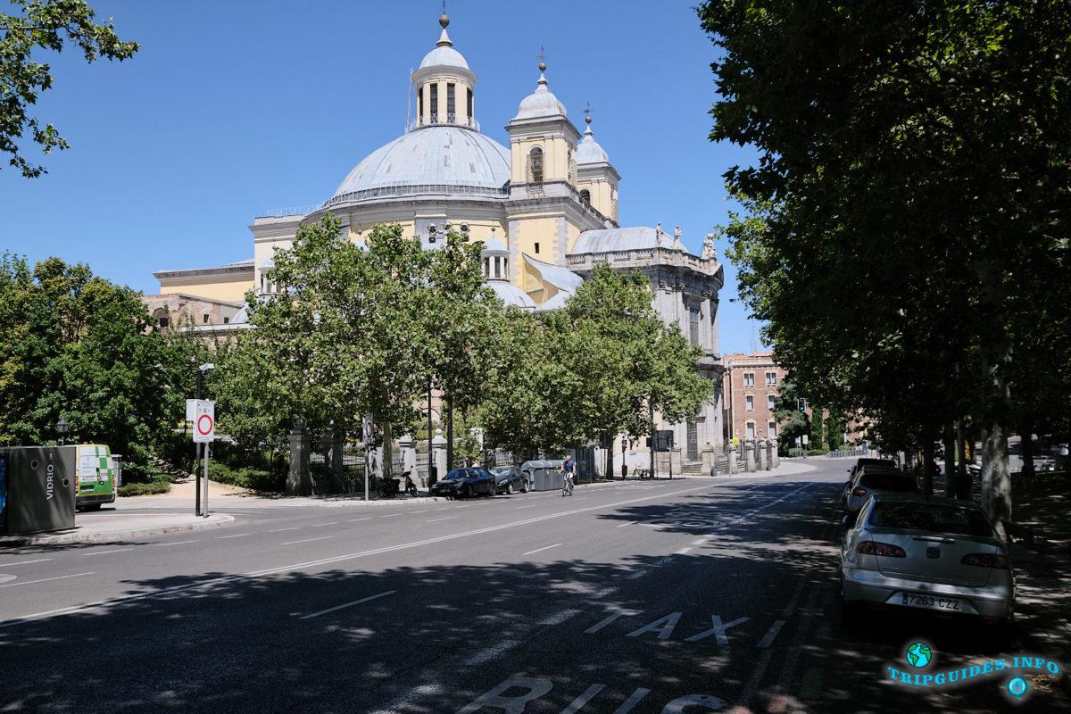 Собор Святого Франциска Великого в Мадриде - столица Испании (Real basílica de San Francisco el Grande)
