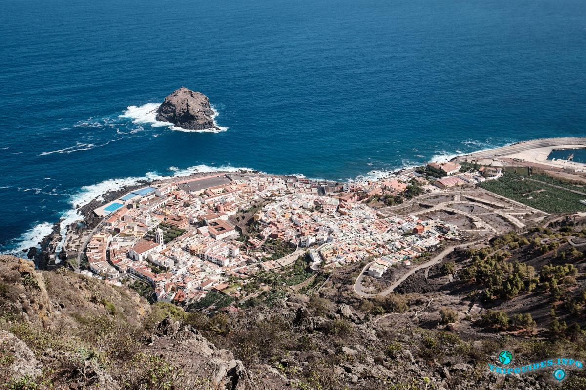Смотровая площадка Мирадор-де-Гарачико в городе Гарачико на севере острова Тенерифе (Канарские острова, Испания)