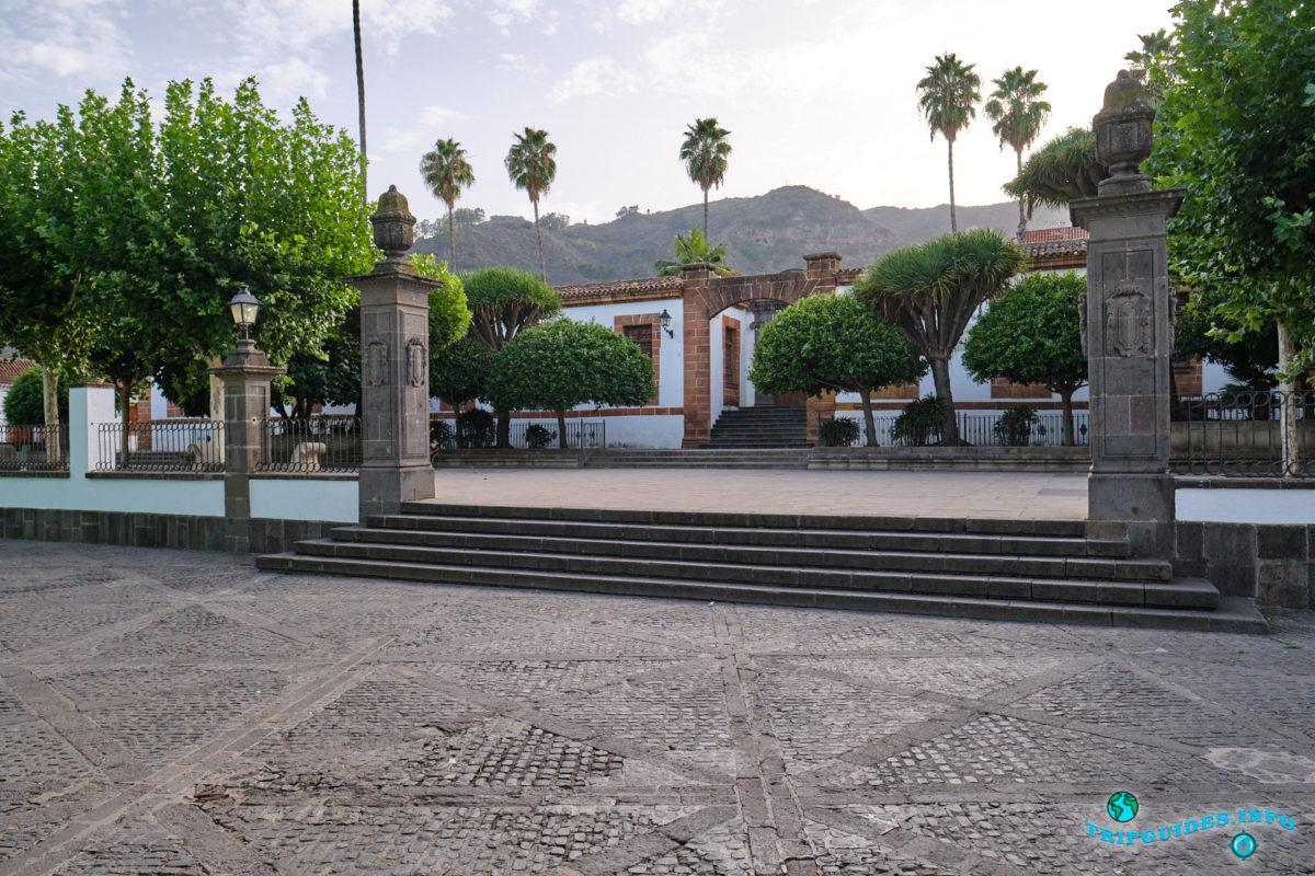 Старинный епископский дворец в городе Терор на Гран-Канарии
