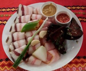 Блюда ресторана Хата Казака в Геленджике, Россия