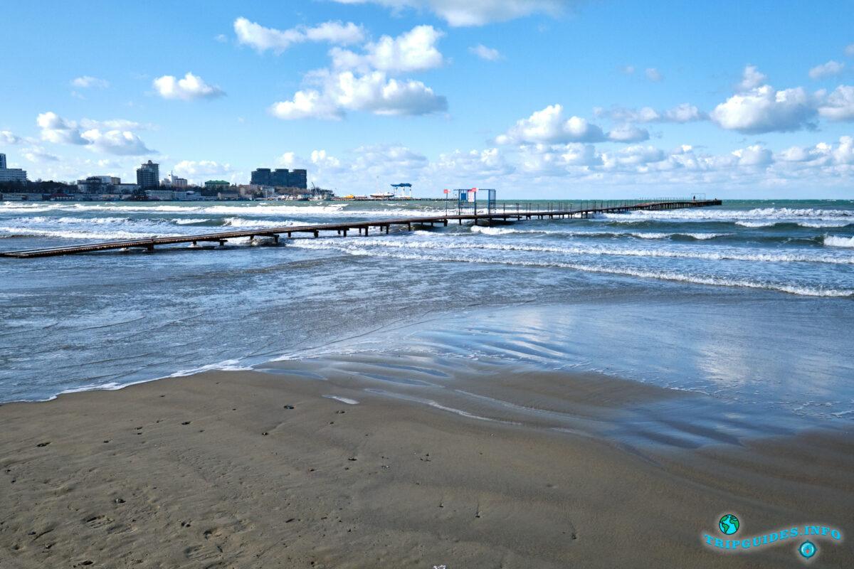 Пляж Центральный в городе Анапа - Краснодарский край, Россия