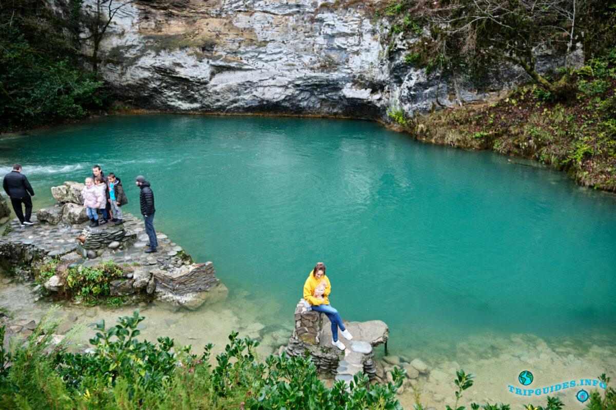 Голубое озеро - Экскурсия из Сочи в Абхазию