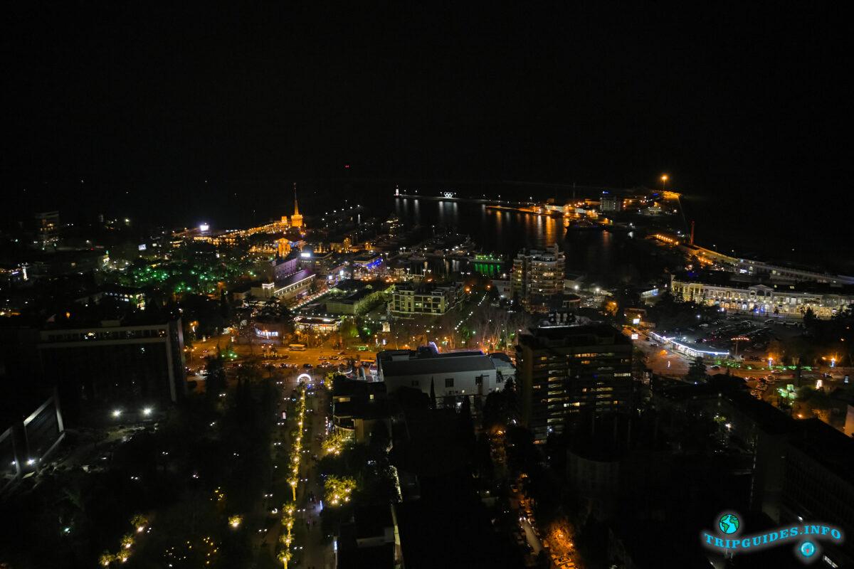 Ночной Сочи, город ночью - Россия