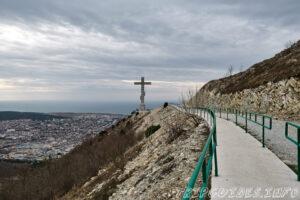 Дорога к кресту - Парк Олимп в Геленджике